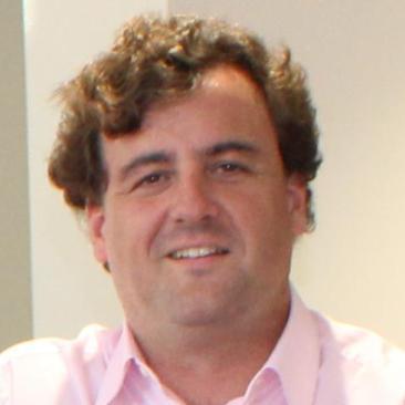 Ruíz César Director