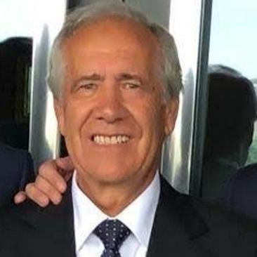 González Víctor Director General
