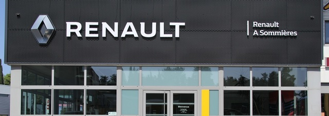 RENAULT A SOMMIERES