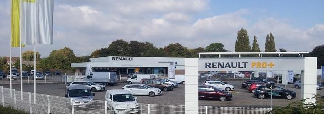 Renault ST AMAND LES EAUX   - RRG -