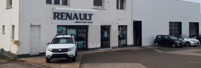 RENAULT ST GILLES - ROND POINT DE L'EUROPE AUTOMOBILES