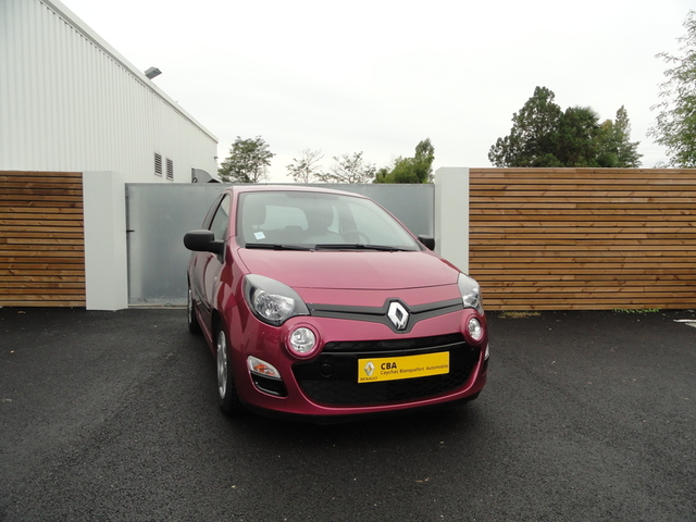 TWINGO Authentique FUSCHIA