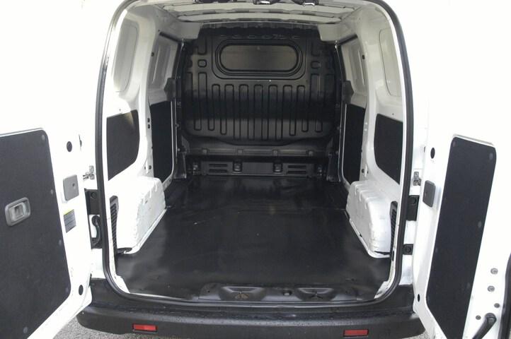 Inside NV200 Furgón Diesel  BLANCO