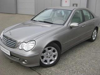 Mercedes-Benz - C 200