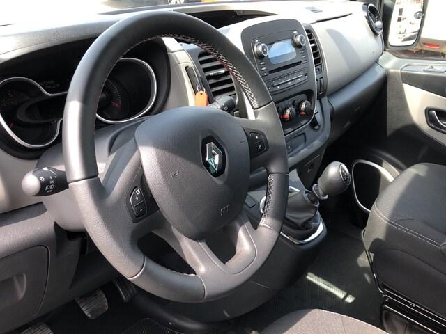 Inside Trafic Combi Diesel  Azul Panorama