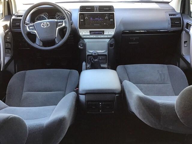 Inside Land Cruiser Diesel  Blanco Classic