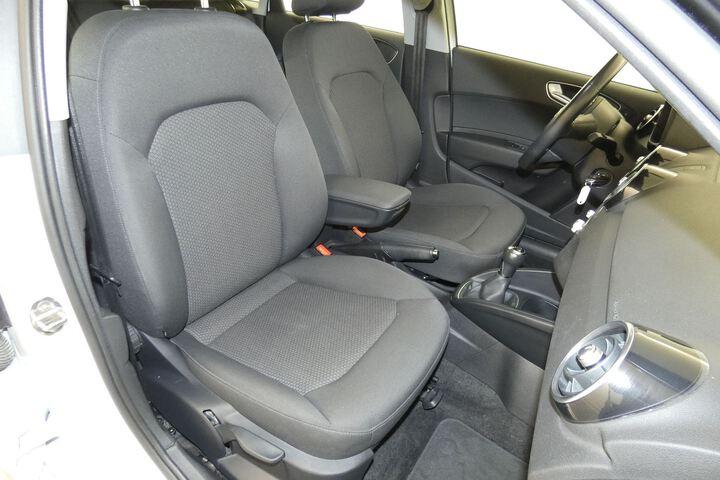 Inside A1 Sportback  Blanco