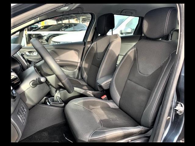 RENAULT Clio Sporter 00010364_VO38023507
