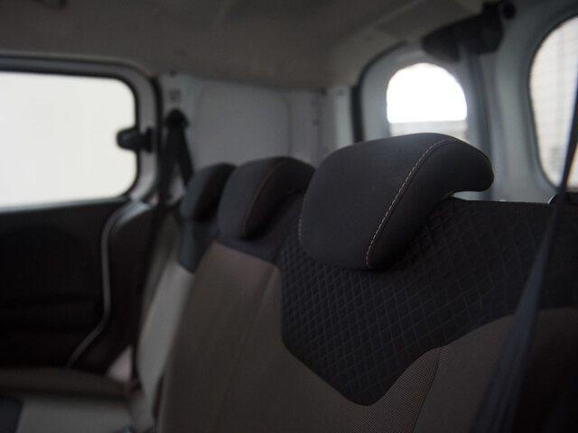 Inside Transit Courier Kombi Diesel  Blanco