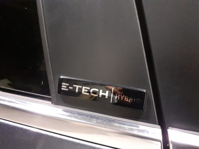 Outside  Clio  Gris Titanium