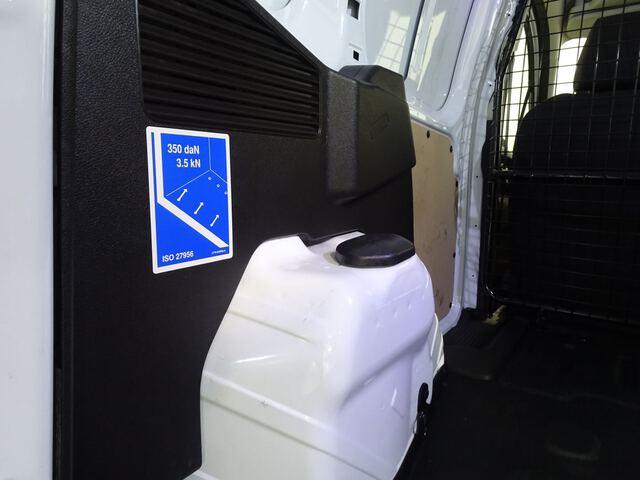 Inside Transit Courier Van Diesel  Blanco