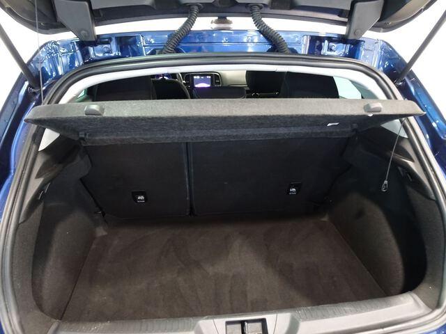 Inside Mégane  Azul Cosmos