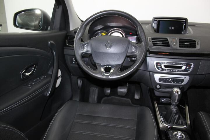 Inside Mégane Sport Tourer Diesel  Marron Glace