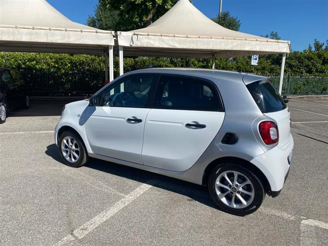 SMART Forfour 02279686_VO38043366