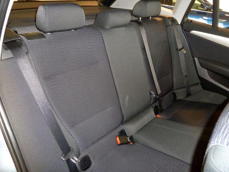 Inside X1 E84 Diesel  GRIS
