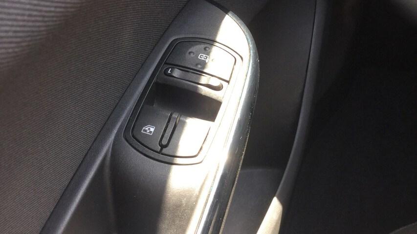 Inside Corsa Diesel  Blanco