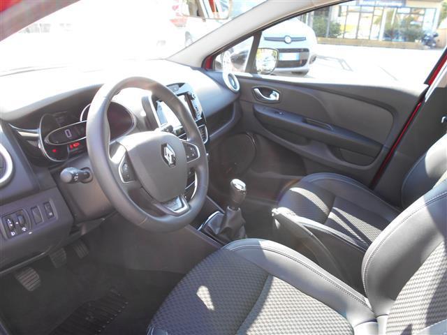 RENAULT Clio Sporter 01091868_VO38043211