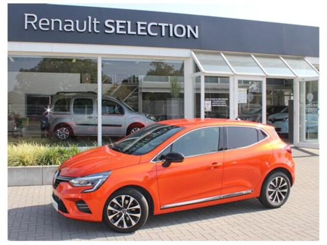 Clio  orange