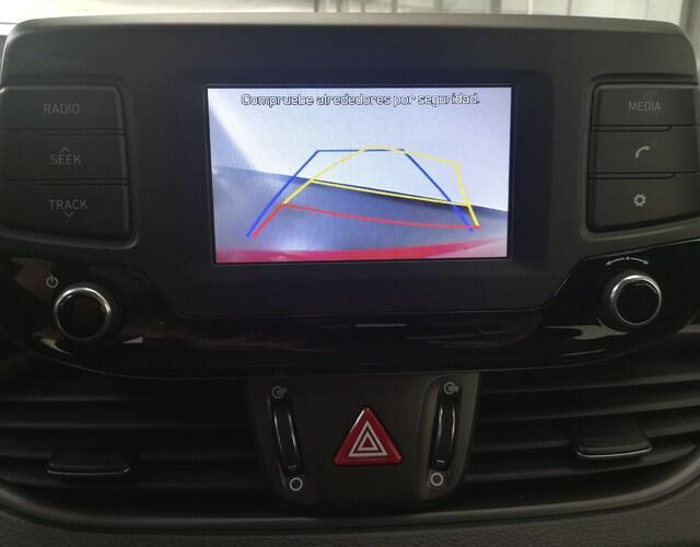Inside i30 CW Diesel  Rojo Deseo