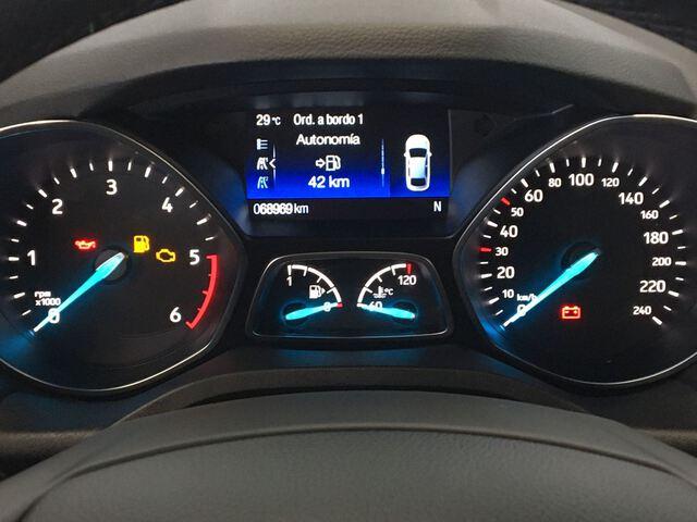 Outside Kuga Diesel  Azul impact