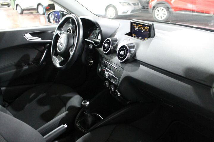 Inside A1 Sportback Diesel  AZUL