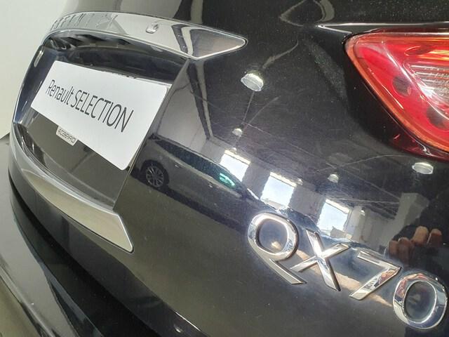 Outside QX70 Diesel  Black Obsidian