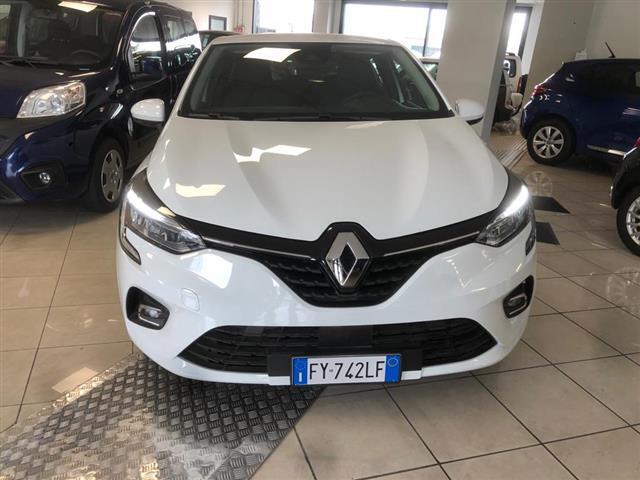 RENAULT Clio V 2019 00063975_VO38013404