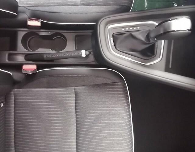 Inside Clio Híbrido Gasolina  Rojo Deseo
