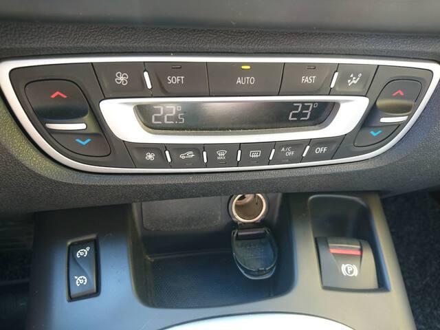 Inside Scénic Diesel  Beige Ceniza