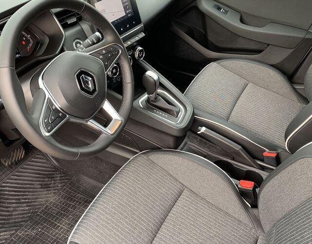 Inside Clio Híbrido  Gris Platino