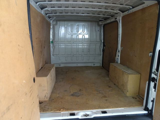 Inside Boxer Furgón Diesel  Blanco Banquise