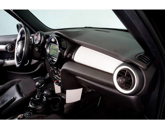 Inside  F55 Diesel  Midnight Black