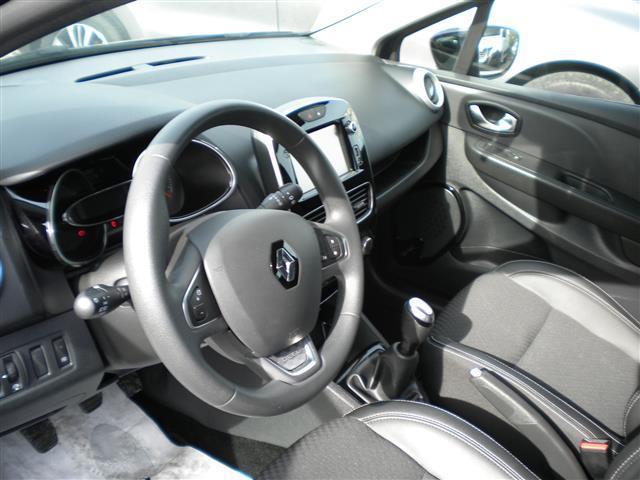 RENAULT Clio Sporter 01080933_VO38043211