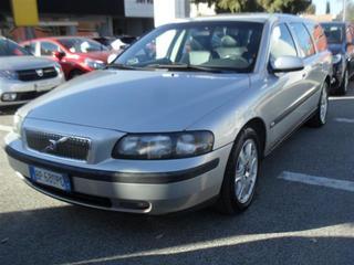 VOLVO - V70 II 2000