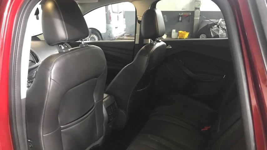 Inside Kuga Diesel  Rojo Race