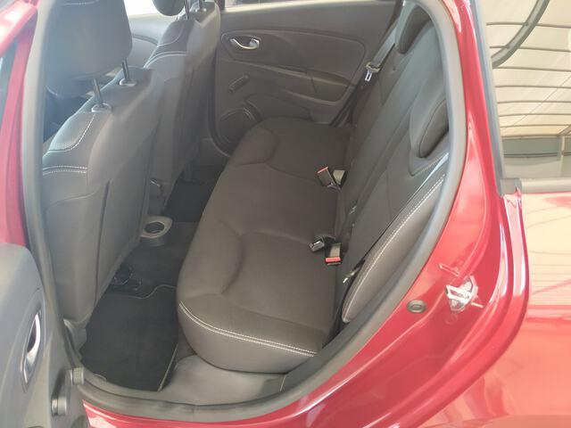 Inside Clio Sport Tourer  Rojo Intenso