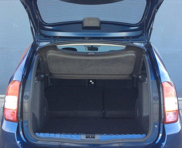 Inside Duster Diesel  AZUL COSMOS