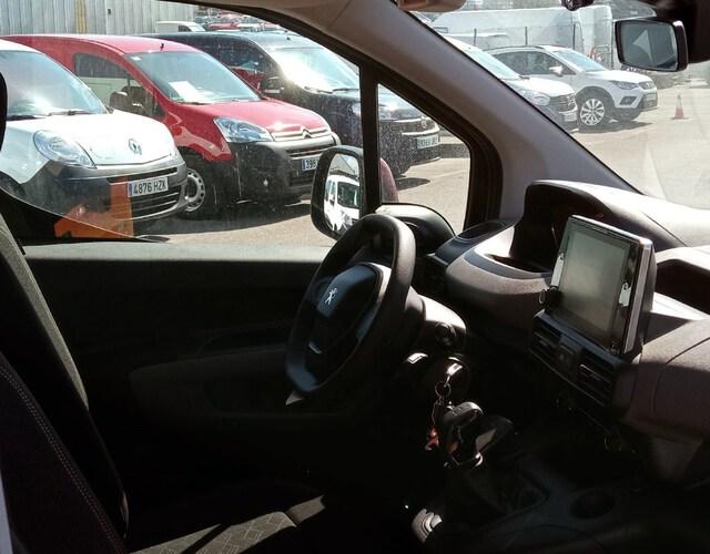 Inside Rifter Diesel  MARRON