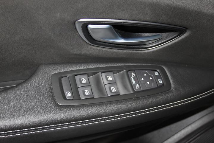 Inside Grand Scénic Diesel  ROJO