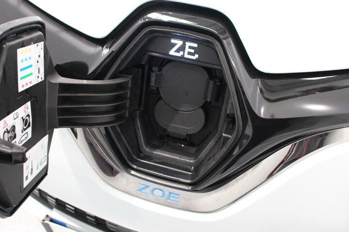 Zoe  Azul