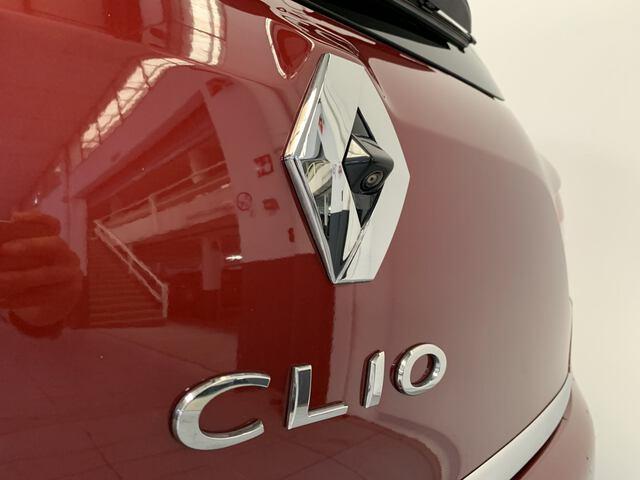Outside Clio  Rojo Intenso