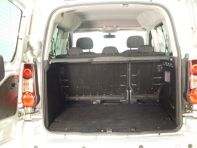 Inside Partner Combi Diesel  GRIS CLARO