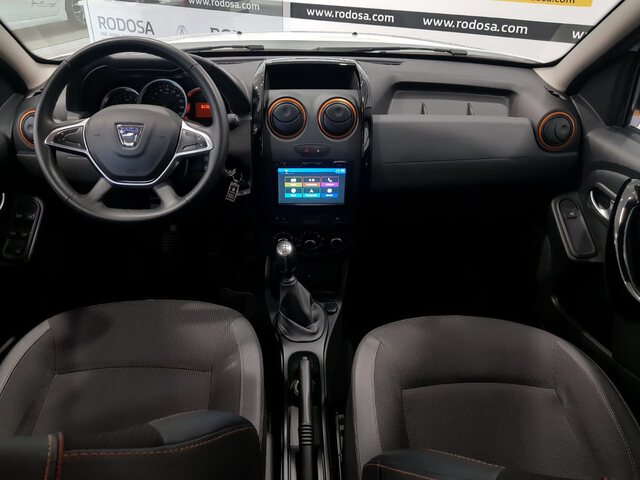 Inside Duster Diesel  BLANCO