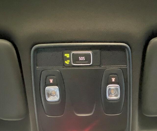 Inside Clio Gasolina/Gas  Negro Brillante