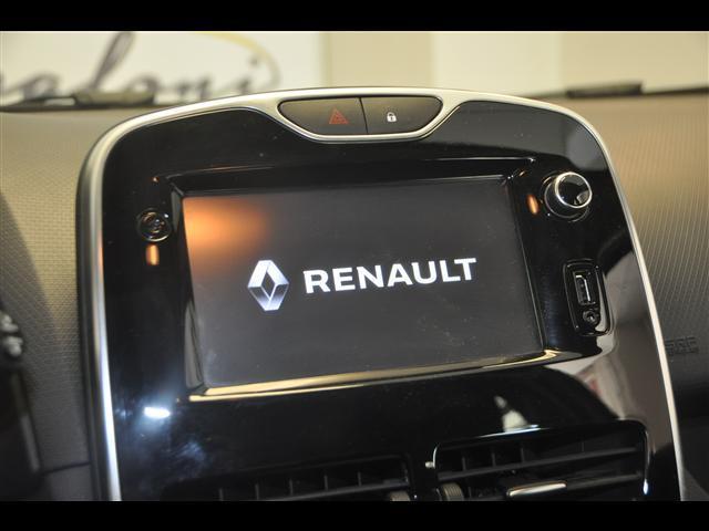 RENAULT Clio 02145176_VO38043894