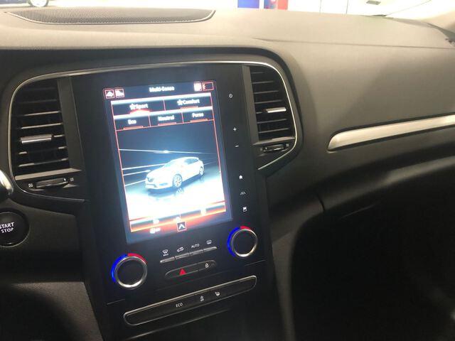 Inside Mégane Sport Tourer Diesel  Azul Cosmos