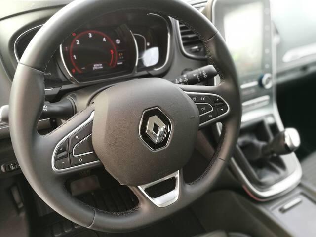 Inside Grand Scénic Diesel  Blanco nacarado   te