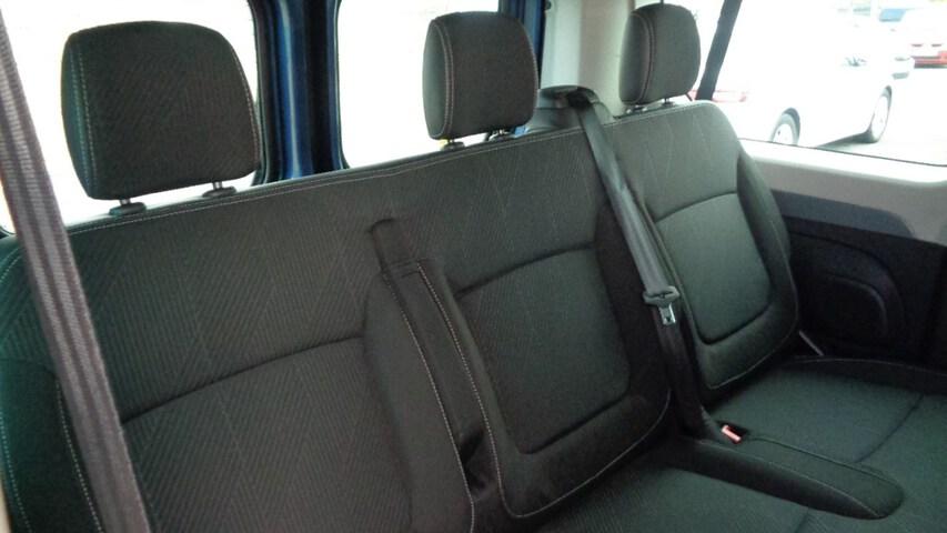 Inside Trafic Combi Diesel  Azul