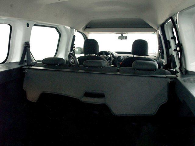 Inside Dokker Combi  Blanco