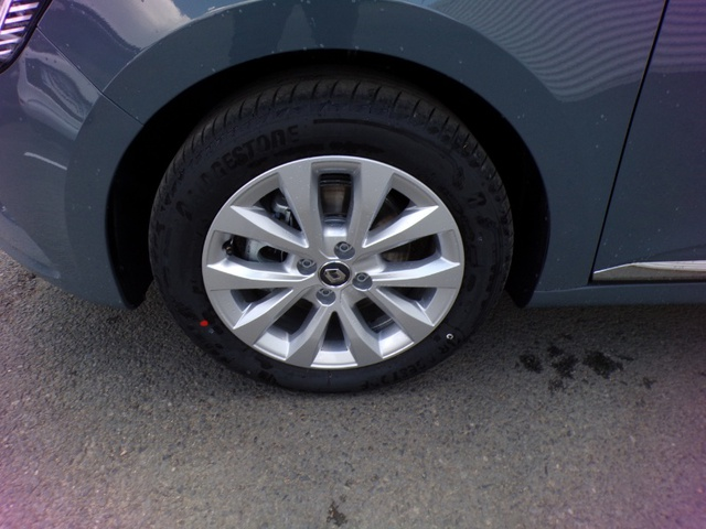 CLIO Intens GRIS URBAN